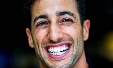 Zak Brown ufficializza l'arrivo di Daniel Ricciardo ed il passaggio di Sainz in Ferrari